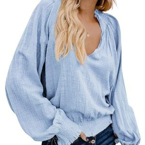 ✨NEW✨ Baby blue V neck smocked Peasant Top